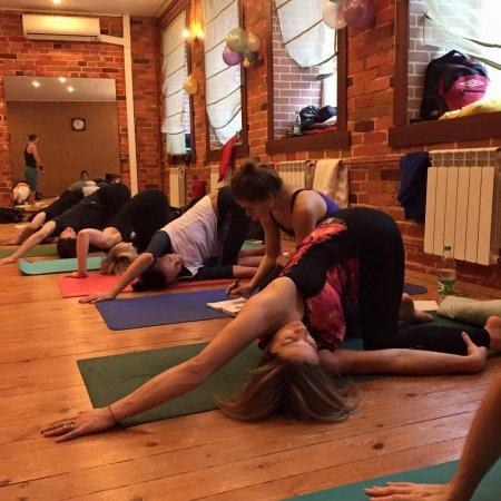 Травмобезопасность в практике йоги