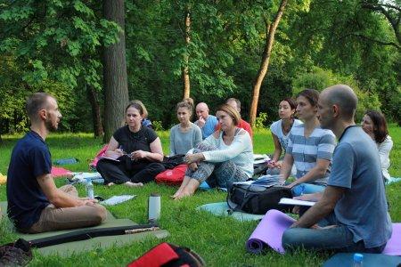 Йога: трактовка понятия в разных школах